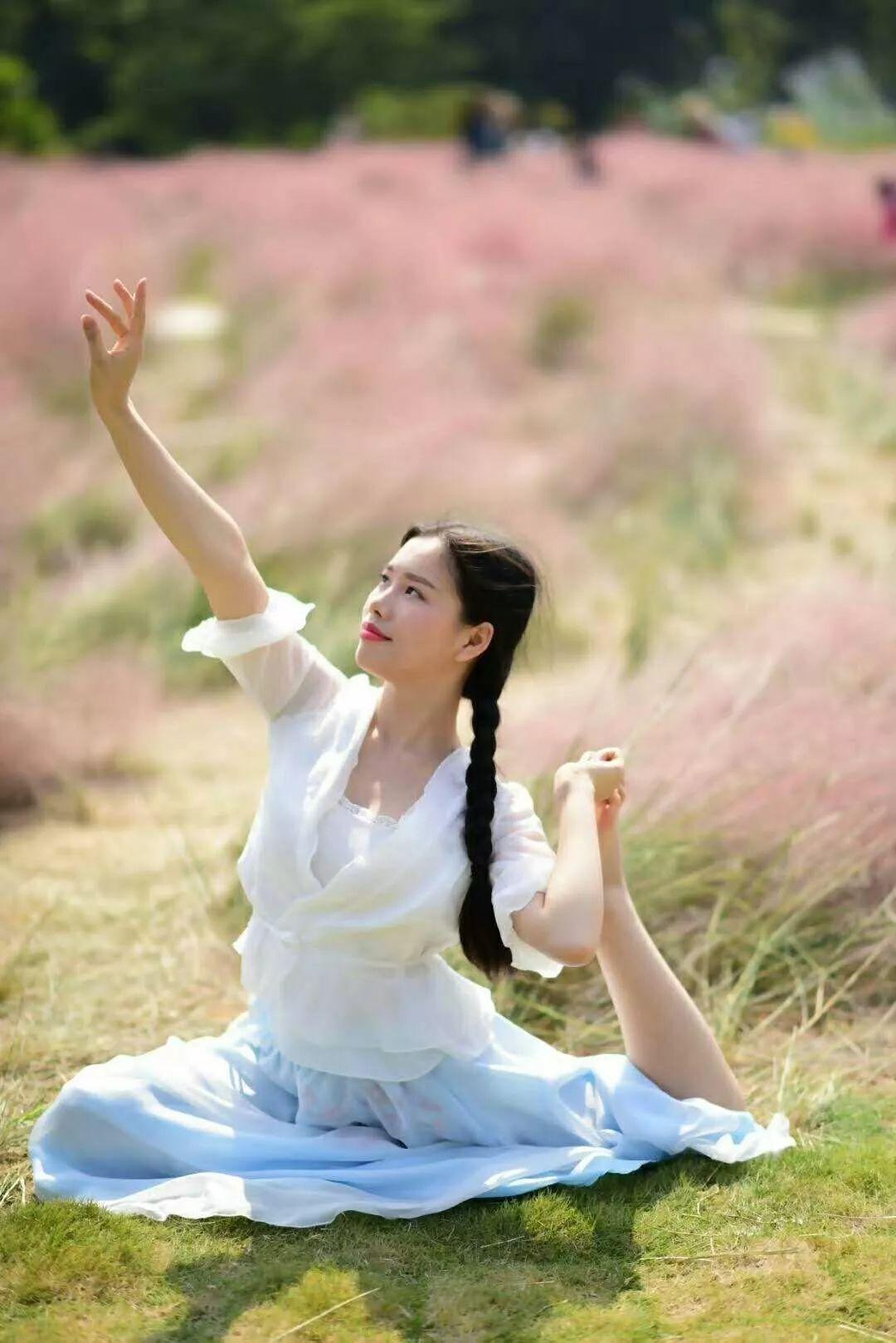 (5)(周日)秋日微风,红粉佳人徜徉在粉红田野,你约么?-户外活动图-驼铃网