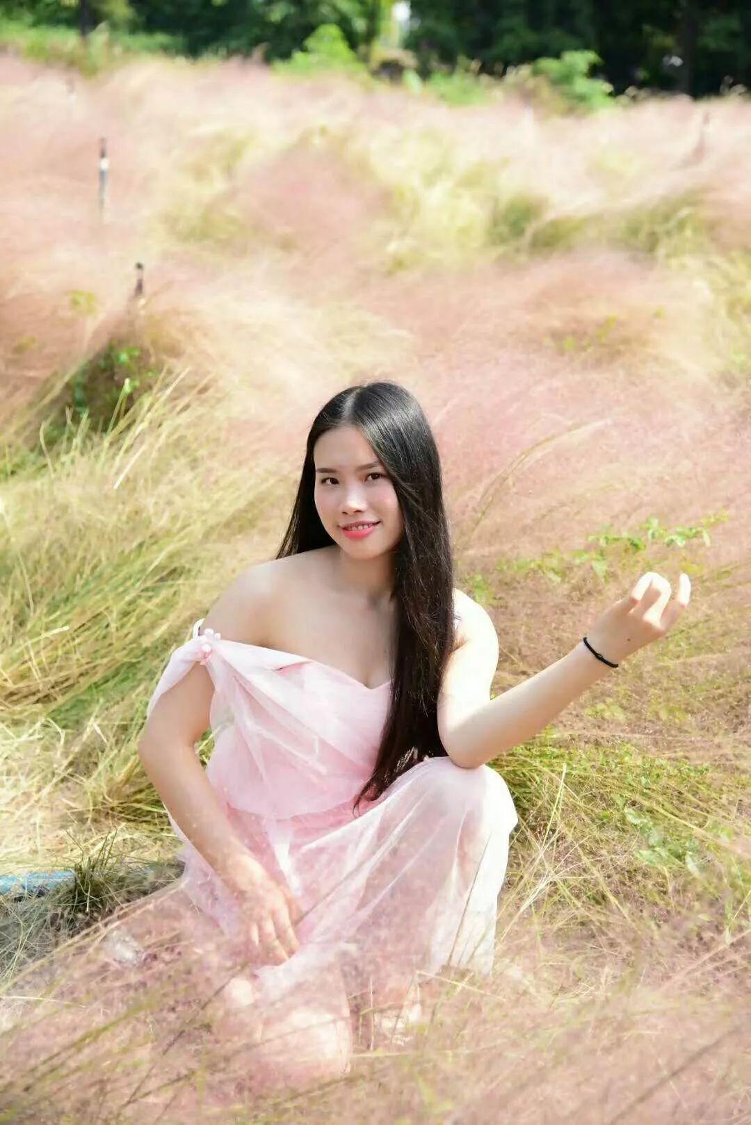 (8)(周日)秋日微风,红粉佳人徜徉在粉红田野,你约么?-户外活动图-驼铃网