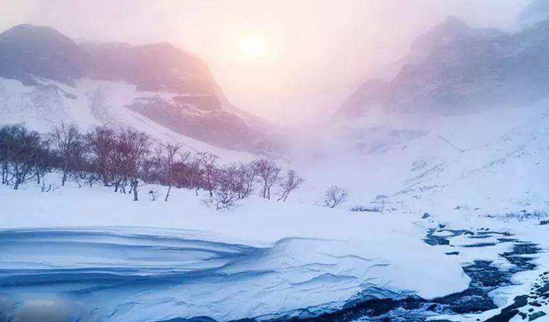 (32)【特价活动】东北 冰雪奇缘-8天 | 冰城哈尔滨 雪乡徒步穿越 梦幻老里克湖 吉林滑雪 诗画长白山 吉林赏雾凇-户外活动图-驼铃网