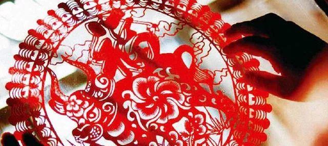 (24)【冰雪童话】亲子专线 哈尔滨-俄式风情伏尔加庄园-亚布力滑雪-雪乡穿越森林-镜泊湖冰瀑-冬捕-虎园6日-户外活动图-驼铃网
